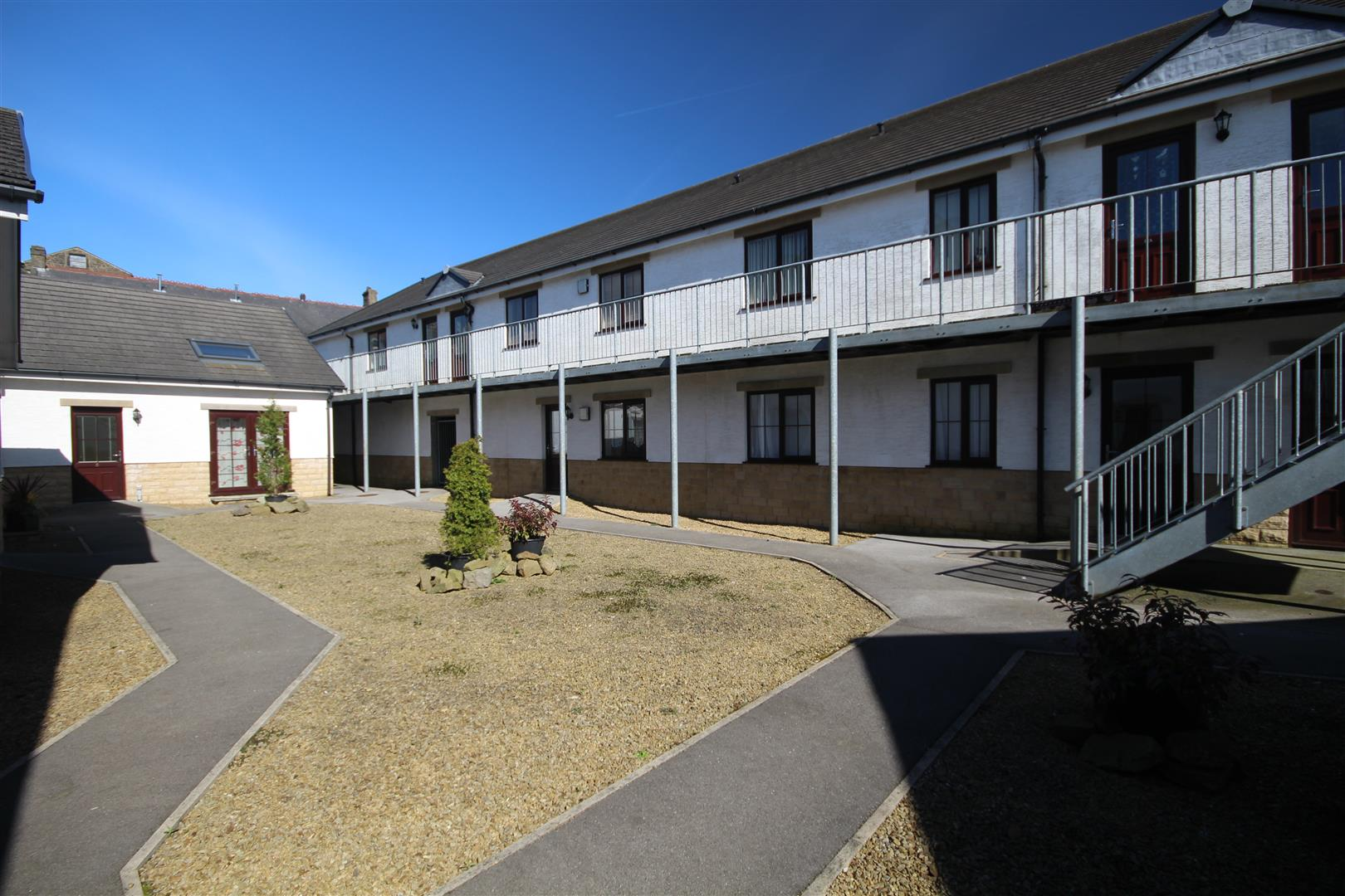 2 bedroom apartment For Sale in Colne - IMG_9574.JPG